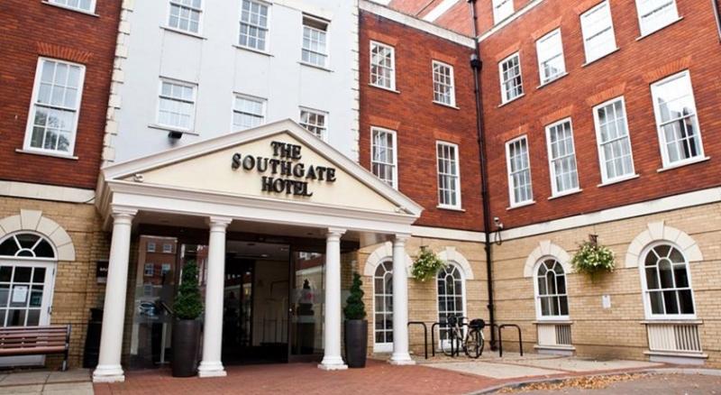 Mercure Southgate Hotel